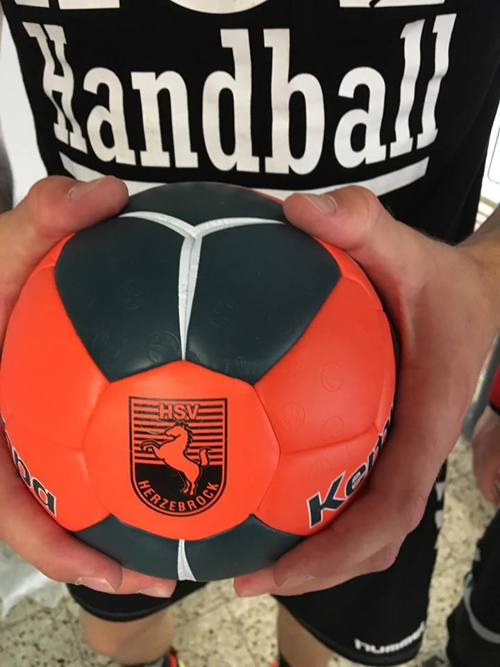 Handball 16864914_706470302856446_2885316748191335674_n